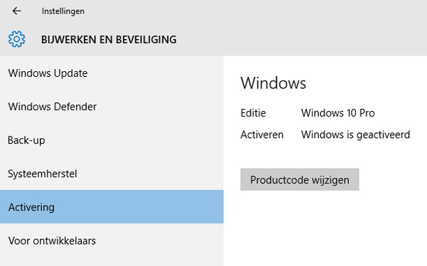 Hier zie je wat de status is van de Windows 10 activatie. Ook kun je hier de Windows 10 productcode opzoeken.