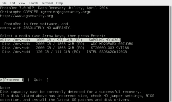 Photorec maakt een verwijdering ongedaan via een command-line.