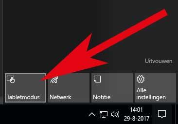 Door op het notificatie-icoon te klikken in de taakbalk kun je de tabletmodus in Windows 10 aan of uitzetten.