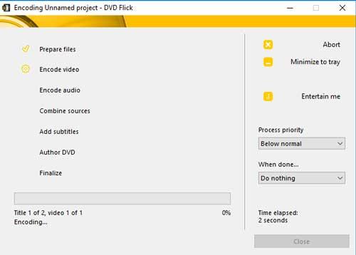 Een DVD branden kan best even duren. DVD-Flick gaat eerst alle bestanden omzetten.